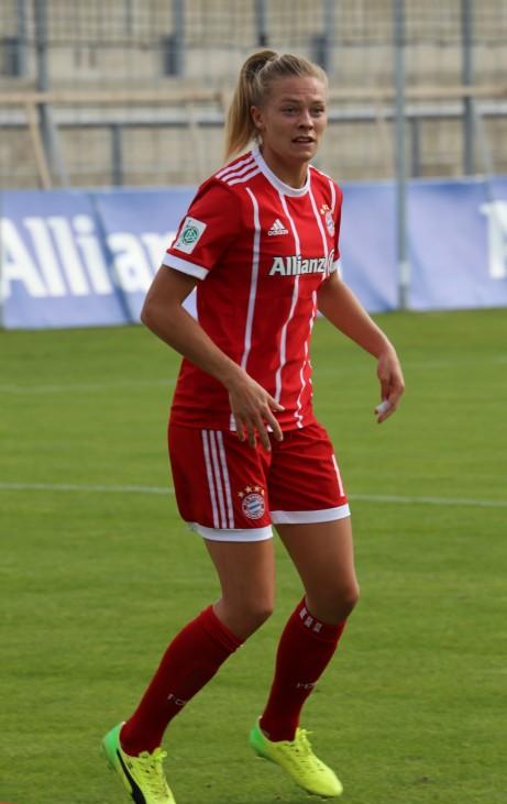 Fridolina_Rolfoe_BL_FCB_gg._1._FC_Koeln_Muenchen-3